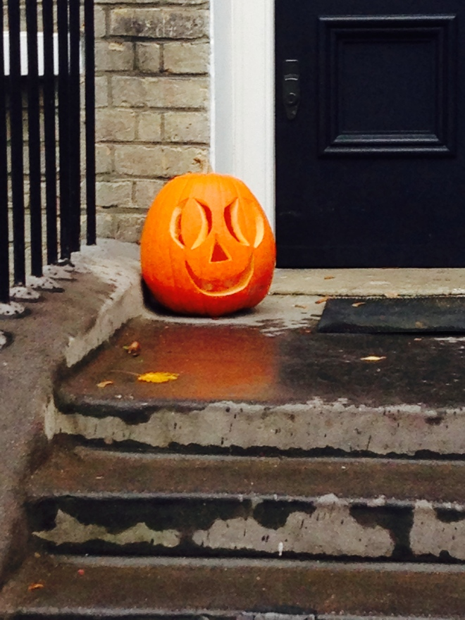 HAPPY PUMPKIN.   © 2013 iLovePrimroseHill.com, all rights reserved.