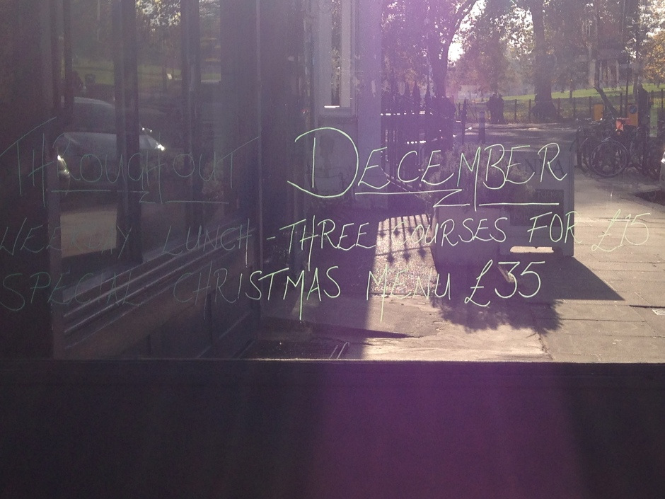 CHRISTMAS AT ODETTE'S.   © iLovePrimroseHill.com, all rights reserved.