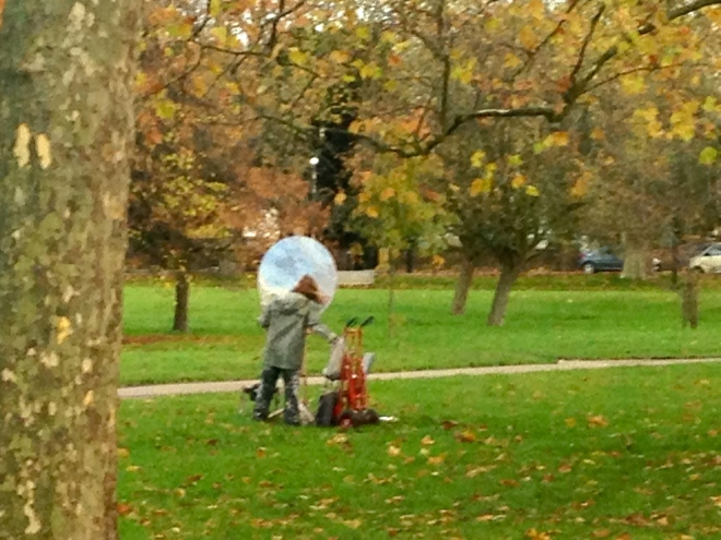 ARTIST AT WORK, PRIMROSE HILL.   © iLovePrimroseHill.com, all rights reserved.