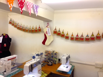 ROZ'S WORKSHOP WITH DECEMBER PROJECTS