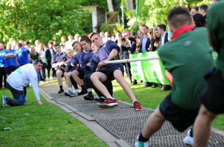 MACMILLAN TUG OF WAR