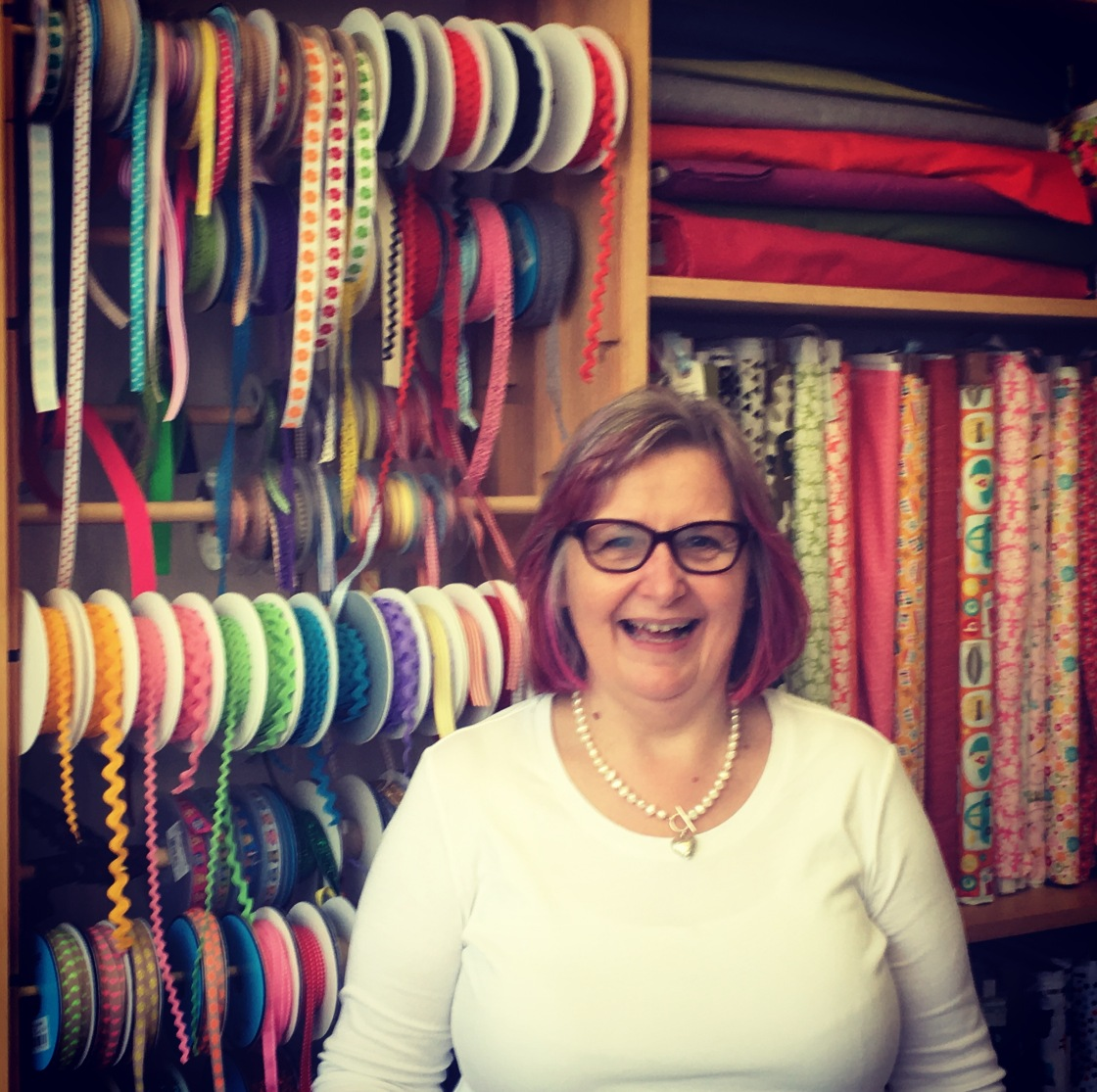 ROZ DAVIES OF SEW MUCH FUN